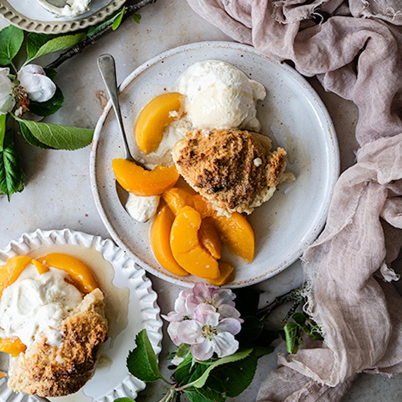 Peach and vanilla cobbler
